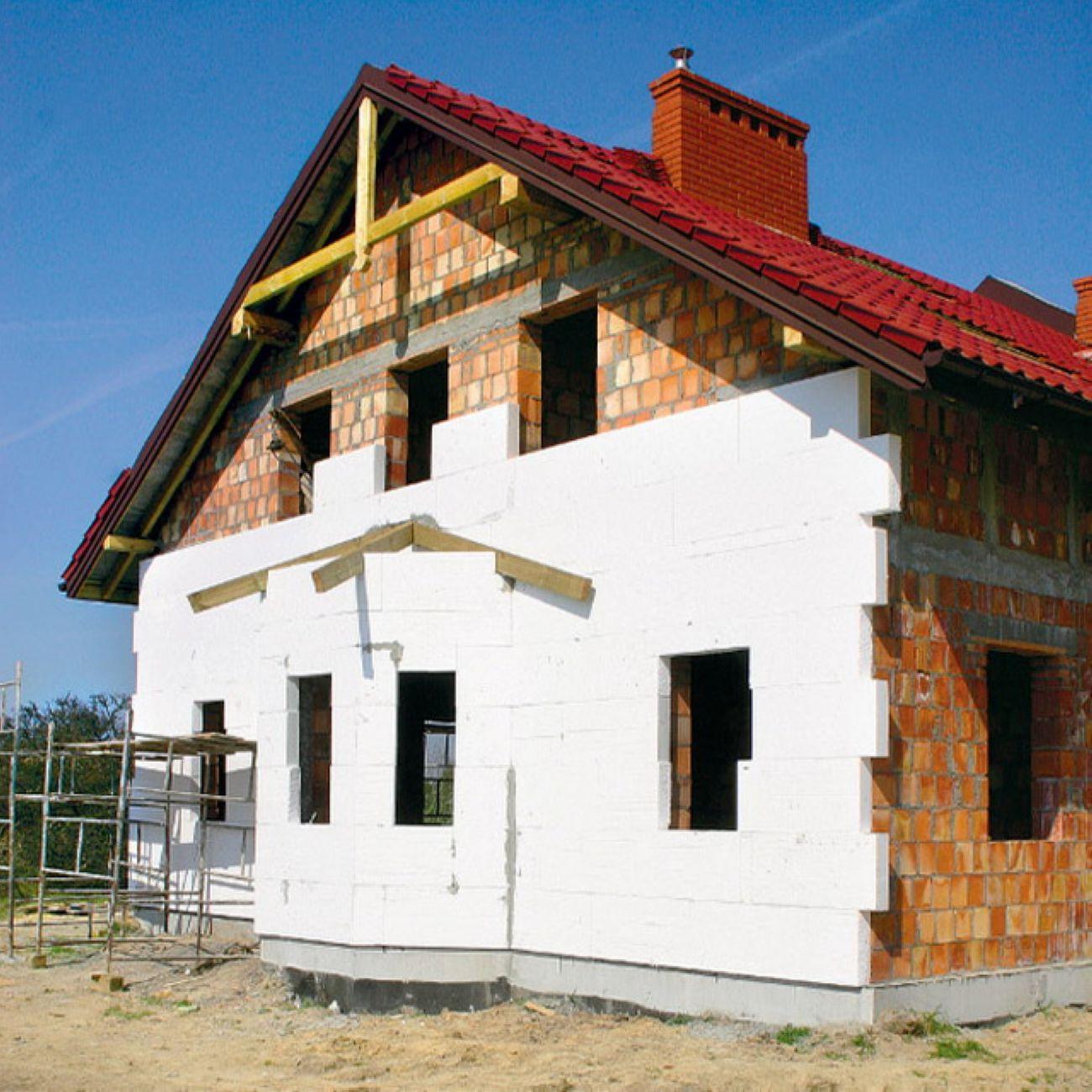 Декоративная отделка кирпичных фасадов домов