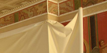 Обтяжка стен тканью